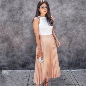 Mango satin pleated  skirt bloggers favorite